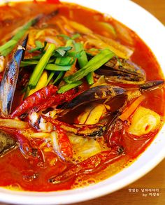 Seafood Jjamppong (noodles mixed with vegetables in hot and spicy broth) - photo