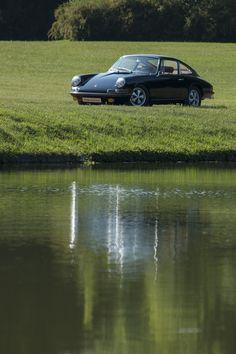 Porsche 911S 1967 Restoration by Mashmotor #restoration #mashmotor #porsche #aircooled #car #black #garden #lake #luxurycars #luxury#canon #fuel #black #porscheday #porsche911 #classiccars #classic #porscheclassic #nature #beauty @rekayereka 📷