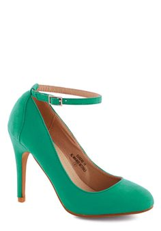 Ballroom Glancing Heel in Emerald. Its not just your fancy footwork that has everyone in awe. #green #modcloth
