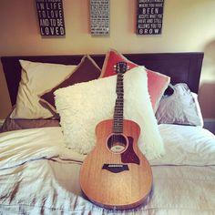 """my new Baby Taylor guitar ❤️"" Katie Stevens, Taylor Guitars, Baby Taylor, New Baby Products, Entertainment, Instagram Posts, Entertaining"