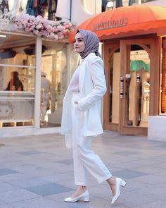 ✩ Fatma Aydın ✩ (@fatmaaydinm) • Instagram fotoğrafları ve videoları Modest Fashion Hijab, Casual Hijab Outfit, Hijab Chic, Beautiful Hijab Girl, Simple Hijab, Color Blocking Outfits, Hijab Fashion Inspiration, Muslim Girls, Plein Air