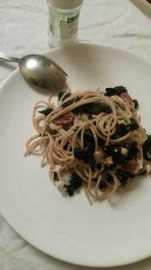 Spaghetti met palmkool en noten: https://meriesfood.wordpress.com/2015/03/04/volkoren-spaghetti-met-cavolo-nero-noten-en-geitenkaas/