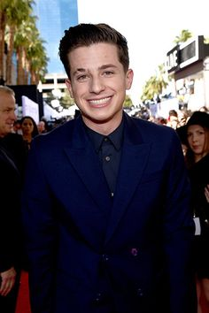 Men's Fashions held their own with the ladies' on 2015 BBMAs red carpet today: Charlie Puth
