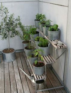 10 Ideas for Tiny Balconies | Apartment Therapy Los Angeles Link