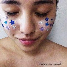 Detalhes estrelados no look de carnaval que fiz na linda @viquis ontem 💖⭐️✨ . . . . . . . . #makeup #mua #makeupartist #makeupart #brazil… Makeup Jobs, Carnival, Instagram, Face, Mariana, Carnavals, Carnivals, Faces, Facial