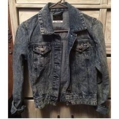 Urban Outfitters BDG Denim Trucker Jacket Blue washed denim jacket from UO. Size small. Urban Outfitters Jackets & Coats Jean Jackets