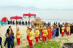 Nếu bạn tham gia tour Quảng Bình vào dịp rằm tháng tư âm lịch thì hãy nhớ ghé qua xã Bảo Ninh nhé.