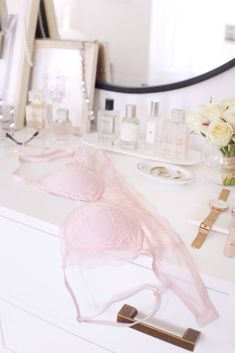 With spring upon us (and in my case, allergies galore), I've been craving soft pinks, pretty lace, and easy-peasy style. But honestly, what else is new?