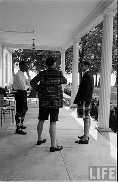 diggin' the Bermuda shorts and knee socks Preppy Boys, Preppy Casual, Preppy Outfits, Classic Outfits, Classic Fashion, Vintage Shorts, Vintage Outfits, Vintage Clothing, Ivy Look