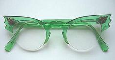 #dresscolorfully green specs