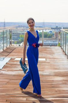 Look invitada lowcost Mono jumpsuit cinturon flores escote espalda Summer Wedding Outfits, Wedding Attire, Fiesta Outfit, What To Wear To A Wedding, Black Romper, Groom Dress, Special Occasion Dresses, Party Dress, Jumpsuit