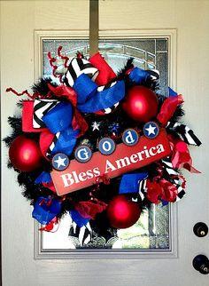 4th of July #wreath, #america, #godblessamerica, #4thofjulydecorations, #4thofjuly, #4thofjulywreath