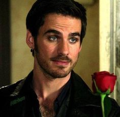 Colin o'donoghue - killian jones -captain hook S4
