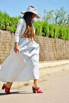 New post on my blog!! http://nekane2020.blogs.elle.es #shoes #fashion #blogmoda #fashiontrends #maxidress #gucci