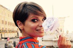Il taglio di capelli di Alessandra Amoroso è il più copiato dell'estate