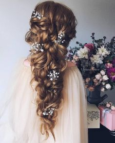 Ulyana Aster Long Bridal Hairstyles for Wedding_16 ❤ See More: http://www.deerpearlflowers.com/long-wedding-hairstyleswe-absolutely-adore/