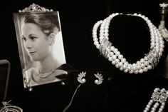When Prince Rainier III of Monaco proposed to Hollywood Star Grace Kelly in January 1956 the whole world became enthralled with this real life Cinderella story. Royal Jewelry, Fine Jewelry, Vintage Jewelry, Jewellery, King George I, Patricia Kelly, Loose Emeralds, Grand Duchess Olga, Princess Grace Kelly