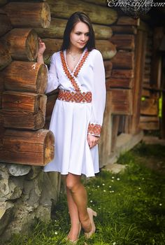 Ukrainian beauty folk fashion Folk Fashion, Design Elements, Fashion Ideas, Ethnic, White Dress, My Style, Pretty, Beauty, Beautiful