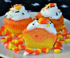 Surprise Saturday — Halloween Cupcake Ideas SATURDAY, OCTOBER 22, 2016 cynthiascolorfulmess.com