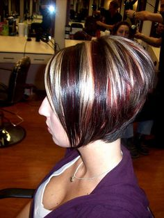 oh my goodness ... Dnt care for the color much, but I so am having this done as my next hair cut. LOVE IT!!!
