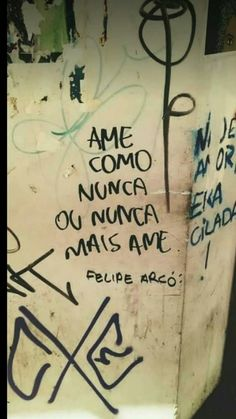 .... Lyric Quotes, Me Quotes, Portuguese Quotes, Street Quotes, Quiet People, Some Words, Texts, Reflection, Mindfulness
