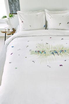 Wonenonline: Slaapkamertrends 2016: Botanic Bedroom Bliss Overtrek Kolibrie van Marjolein Bastin voor Beddinghouse