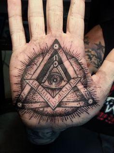 All-Seeing Eye Tattoo: Designs & Meaning Hand Tattoos, Tattoo Platzierung, Tattoo Hals, Body Art Tattoos, Eye Tattoos, Tattoo Neck, Libra Tattoo, Girl Back Tattoos, Lower Back Tattoos