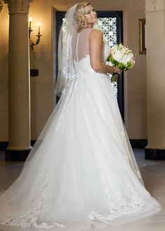 Wtoo Plus Brides Bellavista Gown Available Colours Antique White Ivory Also Without Lace Motifs At Skirt As Style Back