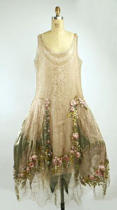 amuse-bouches:    designer: Boue Sisters 1928 court presentation dress
