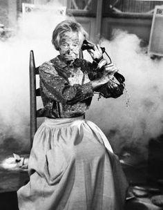 """The Beverly Hillbillies"" Irene Ryan circa 1966 1960s Tv Shows, Old Tv Shows, Irene Ryan, Vintage Family Pictures, The Beverly Hillbillies, Nurse Jokes, James Drury, Film Icon, Sweet Memories"