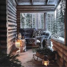 Sharing my obsessive love of rustic cabin life through photos and art I have collected. Winter Cabin, Cozy Cabin, Cozy House, Cabin Homes, Log Homes, Balkon Design, Interior And Exterior, Interior Design, Cabins And Cottages