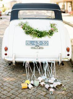 11 Gorgeous Ways to Decorate Your Wedding Getaway Car