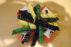 Halloween korker bow~ $4.00    I can  ship and accept EMT! :)     #Littletreasures