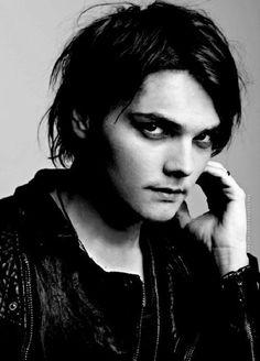 Gerard Way... Marry me.