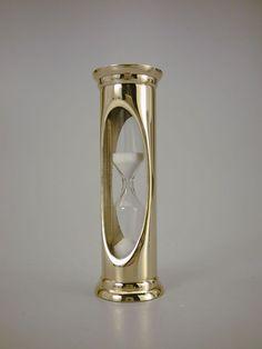 TM002-timeglasS.jpg 450×600 bildpunkter
