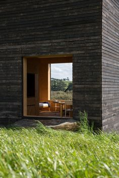 Eyrie, two small cabins in New Zealand designed by Cheshire Architects. Photography by Jeremy Toth.