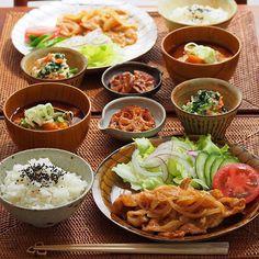 2015/11/20 金 #晩ごはん ・ ✳︎豚の生姜焼き ✳︎ほうれん草と人参の白和え ✳︎蓮根のバルサミコソテー ✳︎かぼちゃのお味噌汁 ・ でした☺️ ・ コメントお返しお休みします いつもありがとうございます☺️ ・