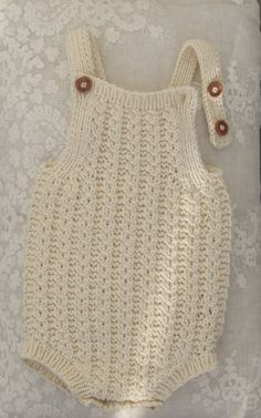 Shoulder-to-floor knot must fil-jacquard-organ - baby dress . : Shoulder-to-floor knot must fil-jacquard-organ – baby clothes Knitting For Kids, Baby Knitting Patterns, Crochet For Kids, Baby Patterns, Crochet Patterns, Knitted Baby Clothes, Crochet Clothes, Crochet Romper, Knit Crochet