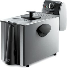 Large enough to cook for the whole family or for entertaining guests, the DeLonghi Dual-Zone 3 electric fryer can hold up to three pounds of food and up to four liters of oil.