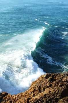 Best Time to See Nazaré Big Waves Season in Portugal 2020 - Rove. Big Waves, Beach Waves, Ocean Waves, Ocean Beach, Spain And Portugal, Portugal Travel, Beautiful Places To Visit, Wonderful Places, Beach Hairstyles