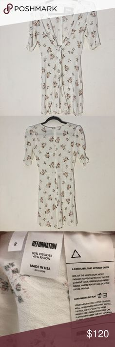 369e1d3e18 REFORMATION WHITE AND FLORAL FAUX TIE FRONT DRESS Size 2 White with an  orange red