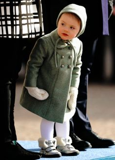 Princess Estelle. I love this winter outfit !