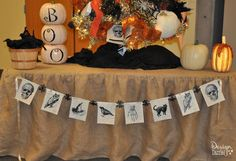 Halloween Vintage Banner - Design Dazzle with a free printable! Such a cool Halloween bunting idea!