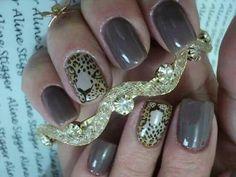 Uñas con diseño de leopardo