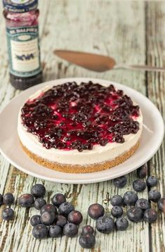 The easiest ever no bake blueberry cheesecake is the only blueberry cheesecake you will ever need. This is as quick and easy as cheesecake recipes get. No matter what the season is this cheesecake is perfect for all occasions! #neilshealthymeals #recipe #dessert #cheesecake #nobake #nobakecheesecake #blueberry #blueberrycheesecake No Bake Blueberry Cheesecake, Tiramisu Cheesecake, Cheesecake Recipes, Dessert Recipes, Dessert Ideas, Marble Cake Recipe Moist, Marble Cake Recipes, Digestive Biscuits, Mini Desserts