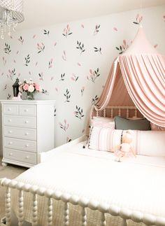Little Girl Bedrooms, Bed For Girls Room, Light Pink Girls Bedroom, 4 Year Old Girl Bedroom, Elegant Girls Bedroom, Cool Girl Rooms, Modern Girls Rooms, Small Girls Bedrooms, Vintage Girls Rooms