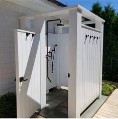 Outdoor Shower Kits, Outdoor Shower Enclosure, Outdoor Toilet, Outdoor Baths, Outdoor Showers, Outdoor Bathrooms, Backyard Pool Designs, Backyard Patio, Outside Showers