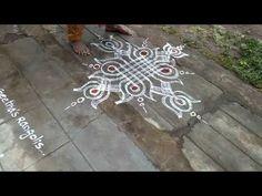 Rangoli Designs Flower, Rangoli Border Designs, Rangoli Designs With Dots, Beautiful Rangoli Designs, Mehandi Designs, Rangoli Borders, Rangoli Patterns, Free Hand Rangoli Design, Small Rangoli Design