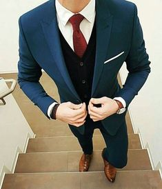 By vasco See more at ✔ Mens Fashion Suits, Mens Suits, Blazer Outfits Men, Moda Formal, Herren Outfit, Formal Suits, Suit And Tie, Gentleman Style, Wedding Suits