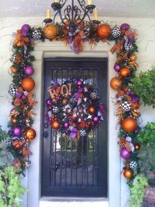 DIY:: Halloween Door Decor - Love This !